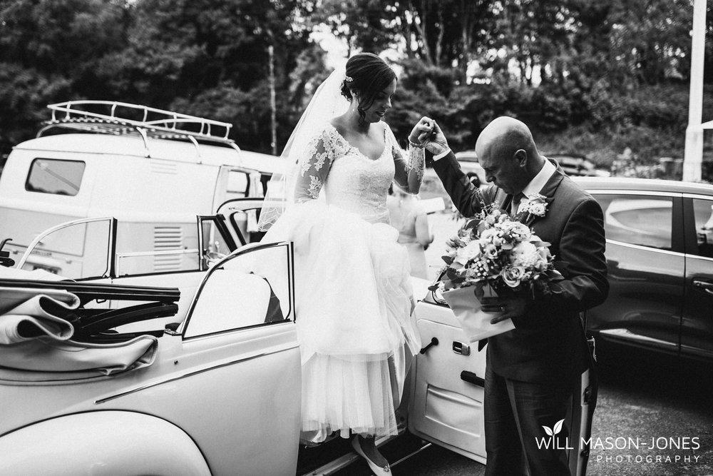 oxwich-bay-hotel-swansea-wedding-ceremony-photographers-2.jpg