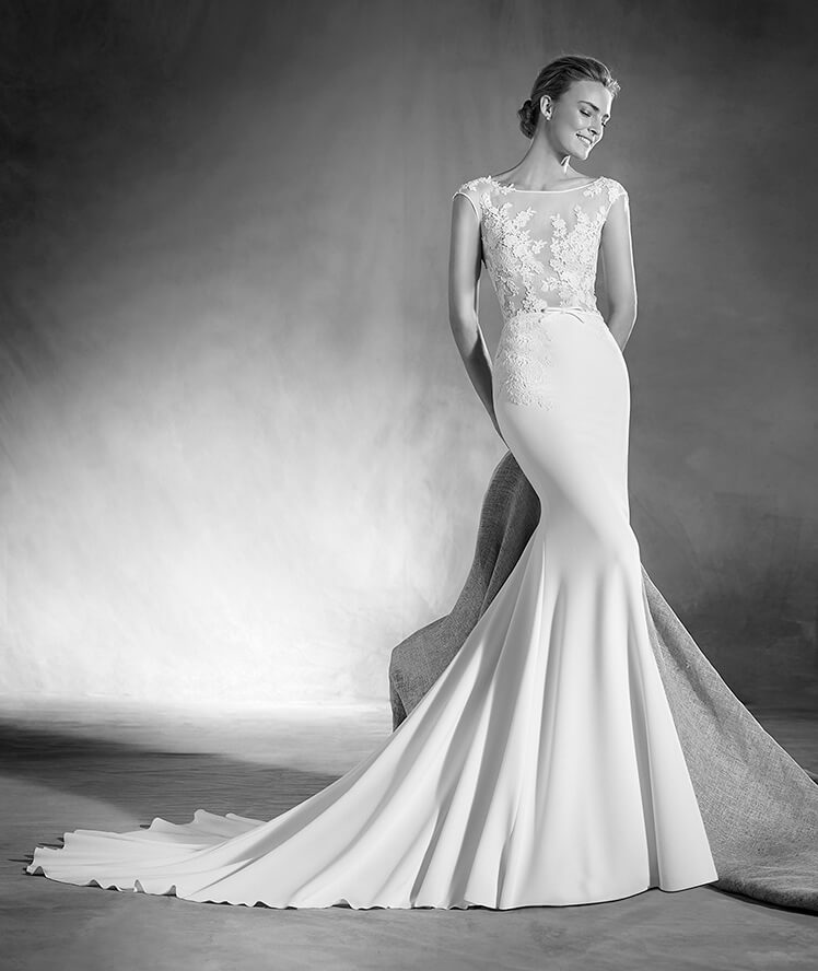 Introducing The Pronovias Atelier 2017 Collection Haute