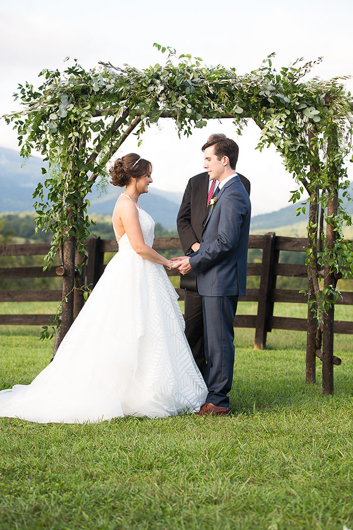 15-Modern-Southern-Charm-Wedding.jpg
