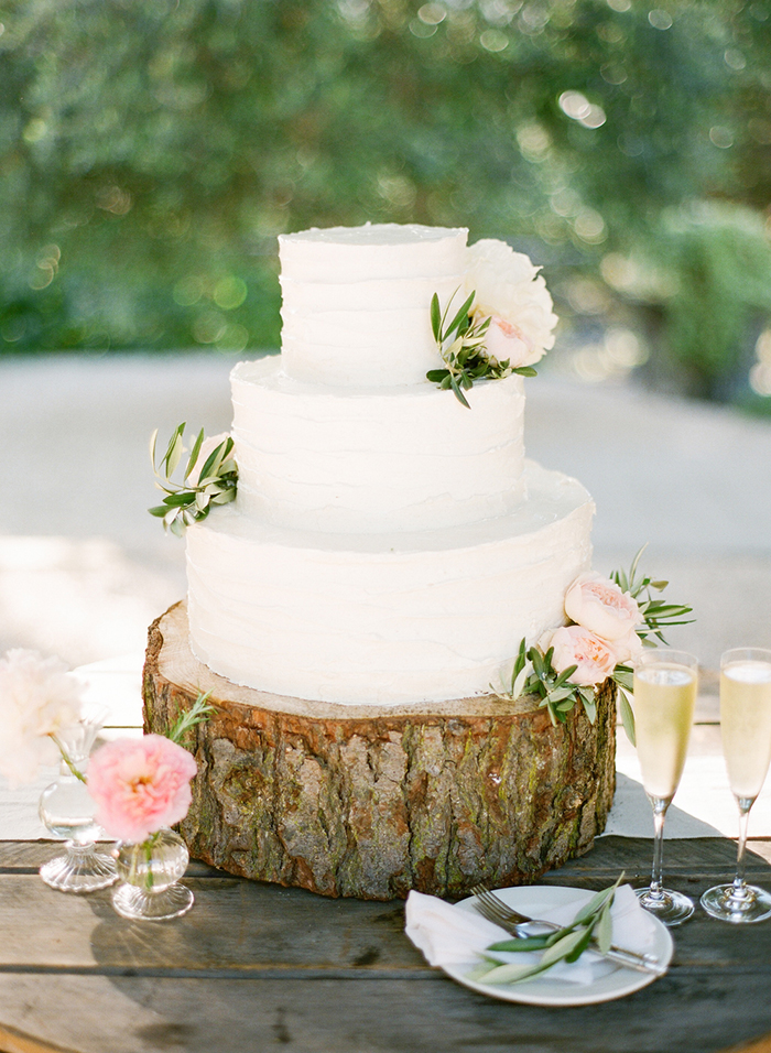 Elegant Rustic Wedding Cake