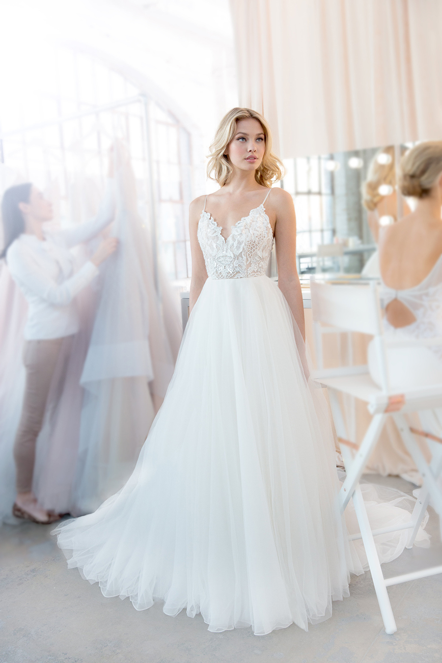 Blush by hayley paige spring 2018 trunk show at haute bride haute blush by hayley paige spring 2018 kai wedding dress junglespirit Choice Image