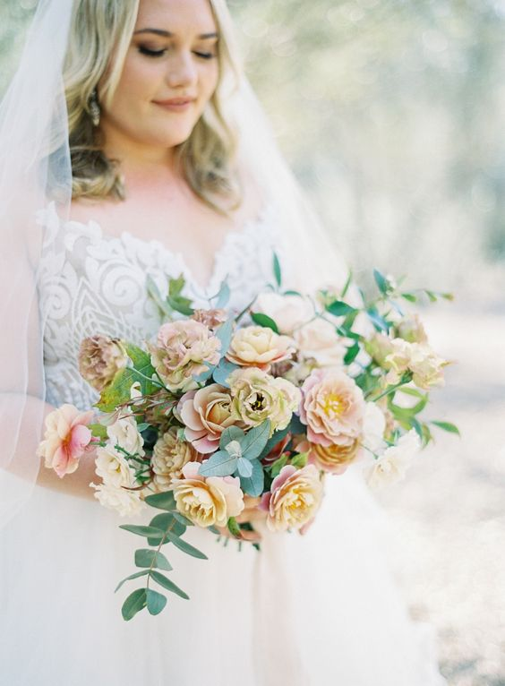 Fine Art Bridal Photos with an Autumn Bouquet
