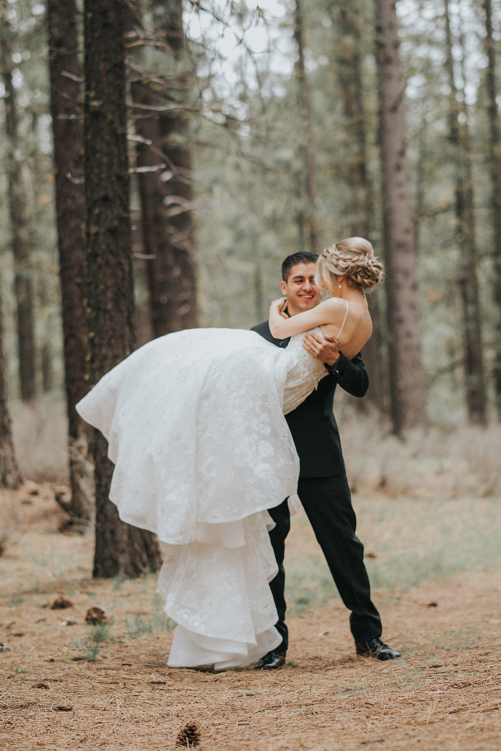 Perfect Glam Adventure Wedding in the Redwoods