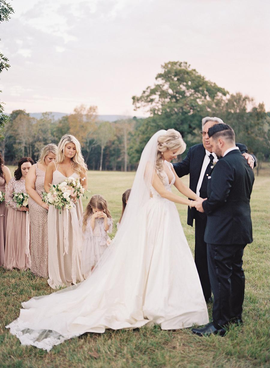 18-country-wedding-style-dan-shay.jpg