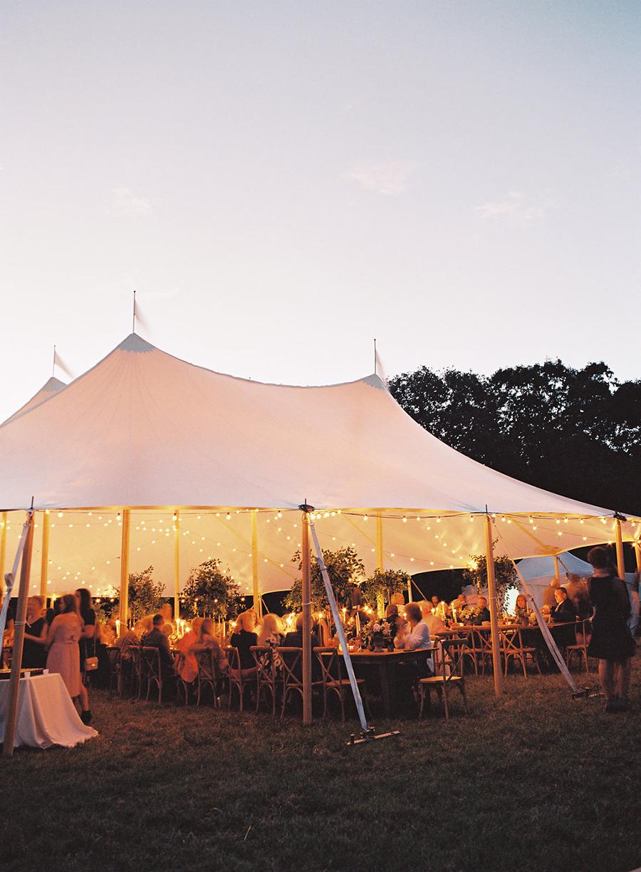 22-country-wedding-style-dan-shay.jpg
