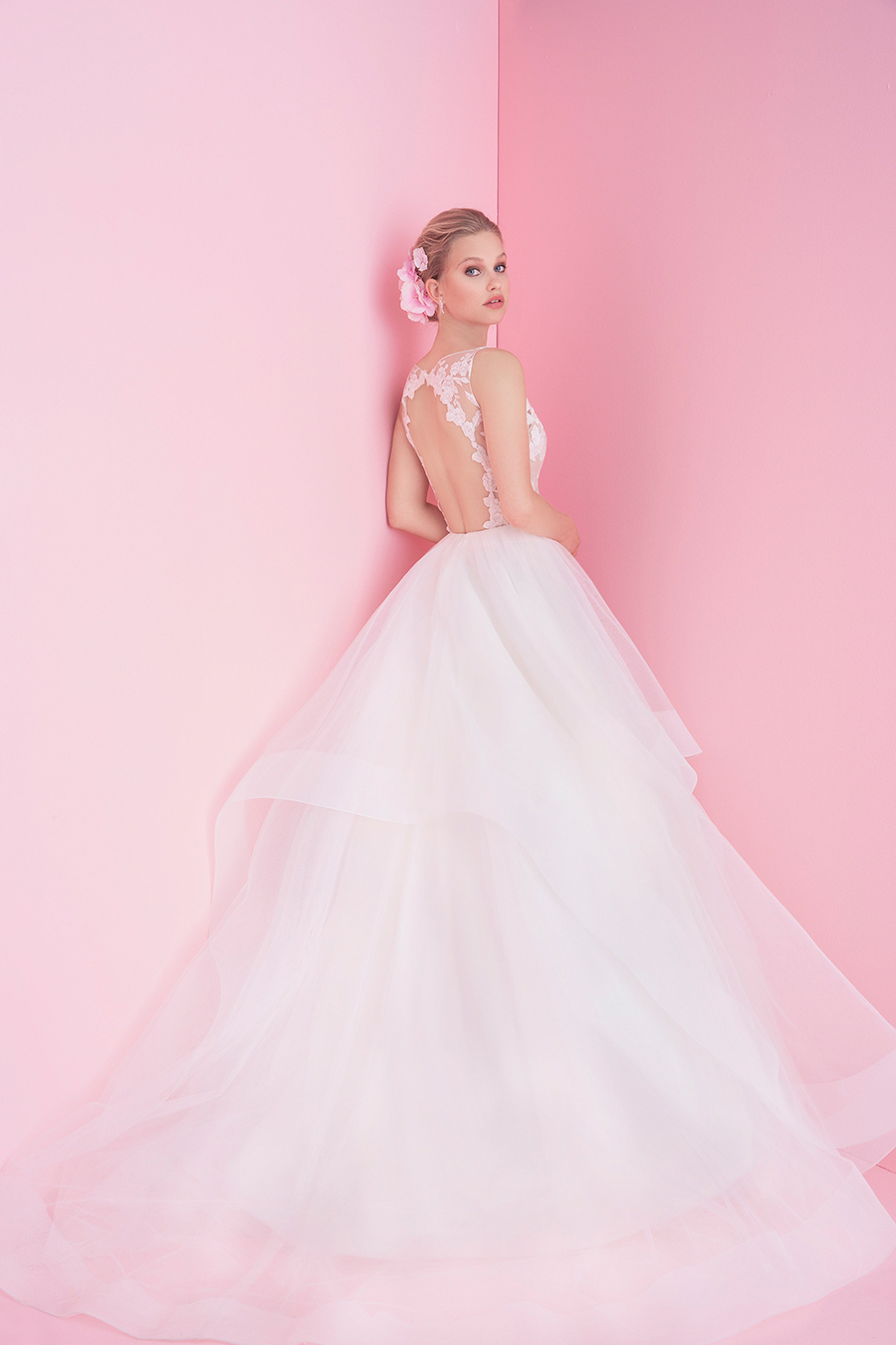 Blush by Hayley Paige Fall 2018 Bridal CollectionBlush by Hayley Paige Iris Wedding Dress