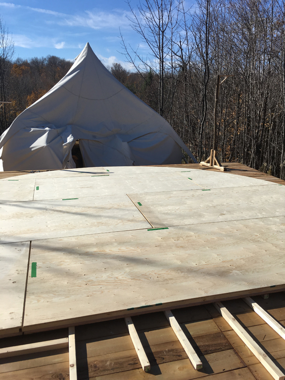 building the yurt2-assemblynorth.jpg
