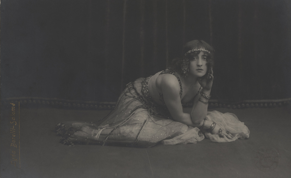 Borelli as Salomè, postcard, Album/Art Resource NY