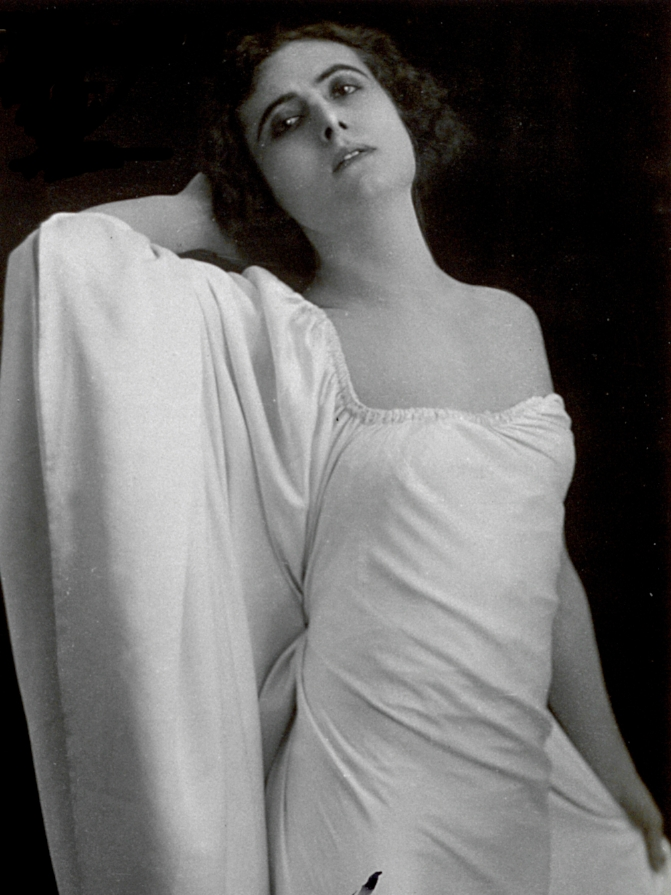 Francesca Bertini, c.1921, Italian photographer (20th century), private collection/Alinari/Bridgeman Images