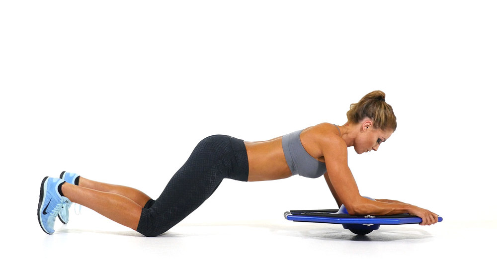 Kelly_Kneeling_Forearm_Plank_Extension_105.jpg