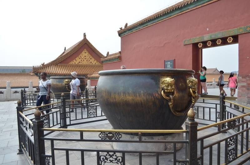 Water holding pots.jpg