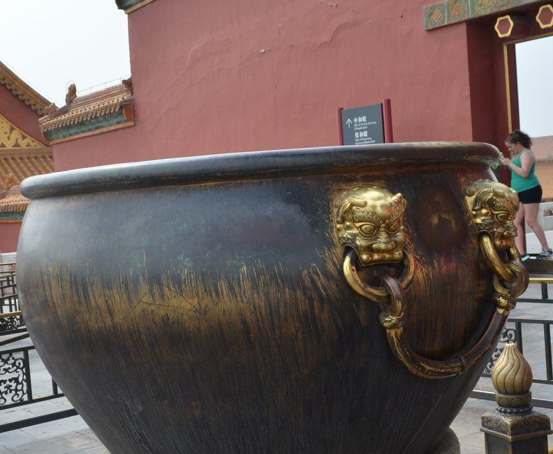 water holding pots2.jpg