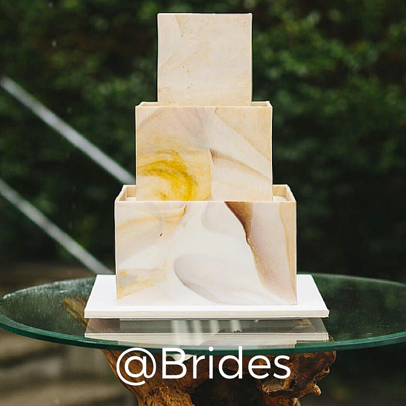 The official account of Brides Magazine, this account has many creative ideas for your big day.