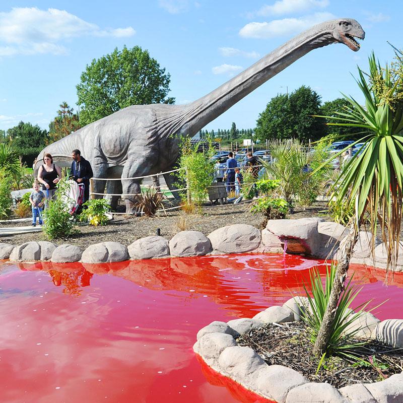 dinosaur-theme-golf-park.jpg