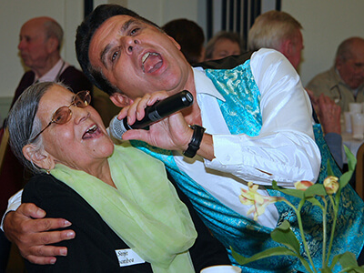 Dementia-Cafe-Singer-copy.jpg