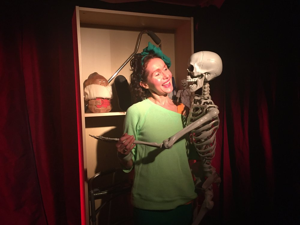 Left to Right: Maura Knowles as Mac; Fred, The Skeleton.