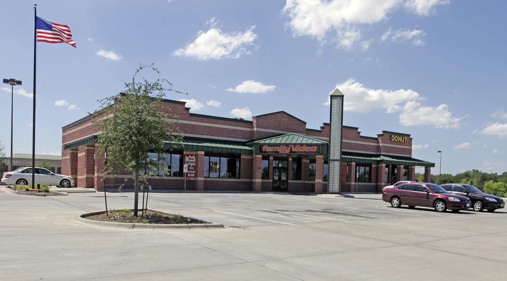 Family Video Out-Parcel Strip   7505 N Davis Blvd, North Richland Hills, TX