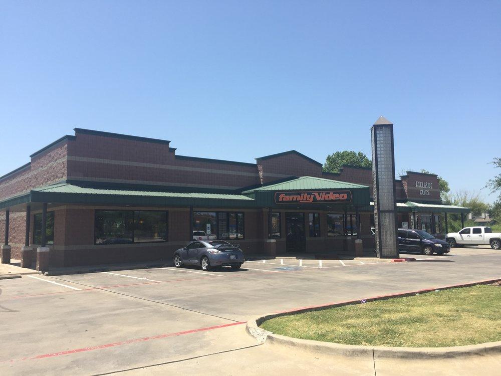 815 Mayfield Rd, Grand Prairie, TX 75052