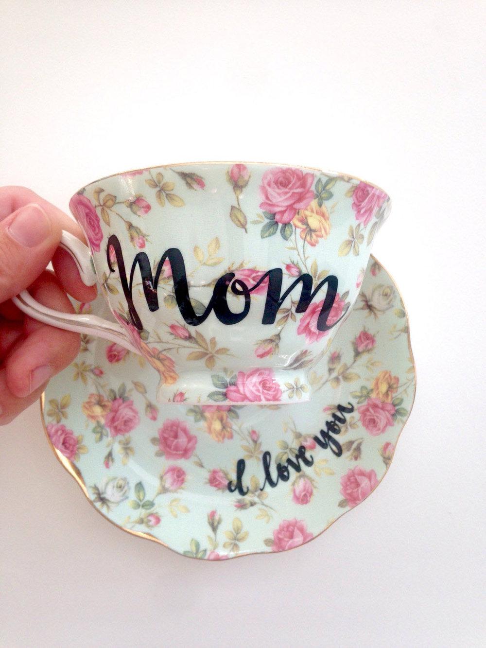 Velvet Crown Design Tea Cup