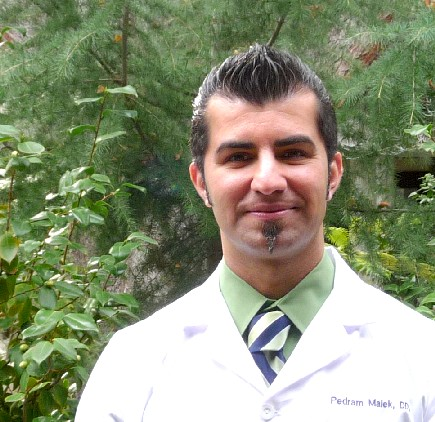 dr.malek headshot