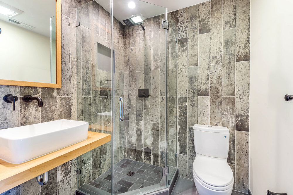Bathroom Remodeling by East Bay HDR Remodeling.jpg