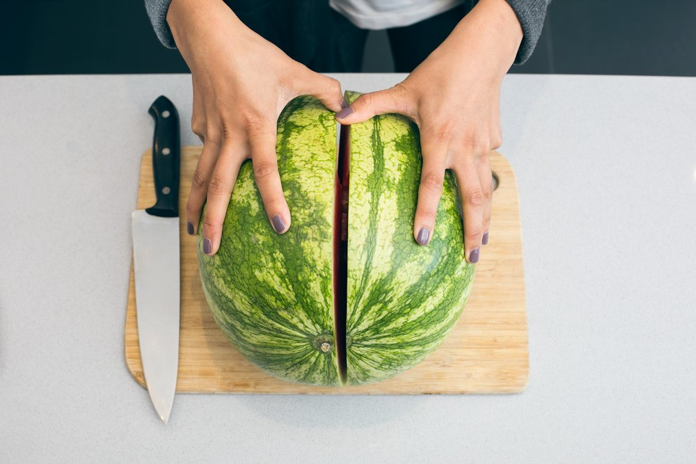 cutting-watermelon_4460x4460.jpg