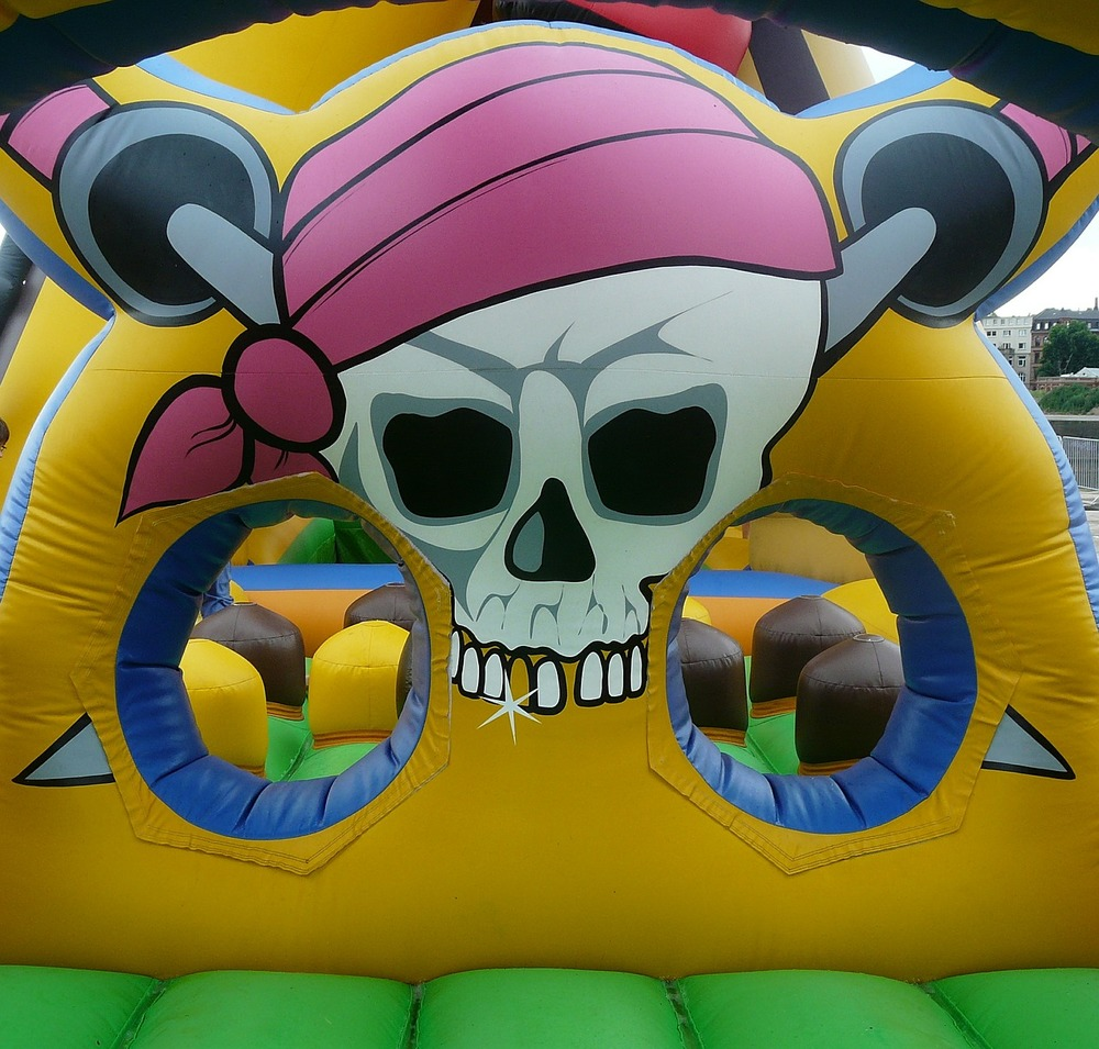 bouncy-castle-442909_1280.jpg