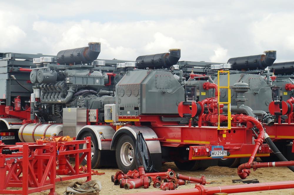 hydraulic-fracturing-863220_1920.jpg
