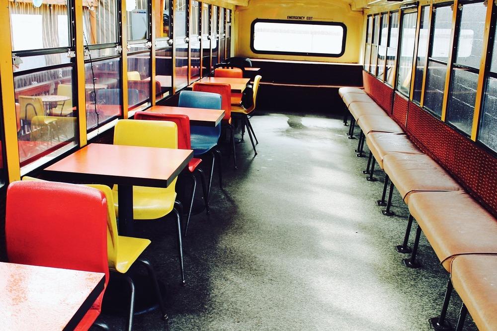 schoolbus-923979_1280.jpg