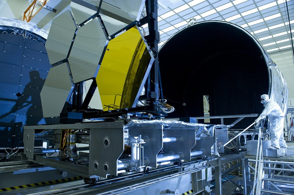 telescope-561355_1280.jpg