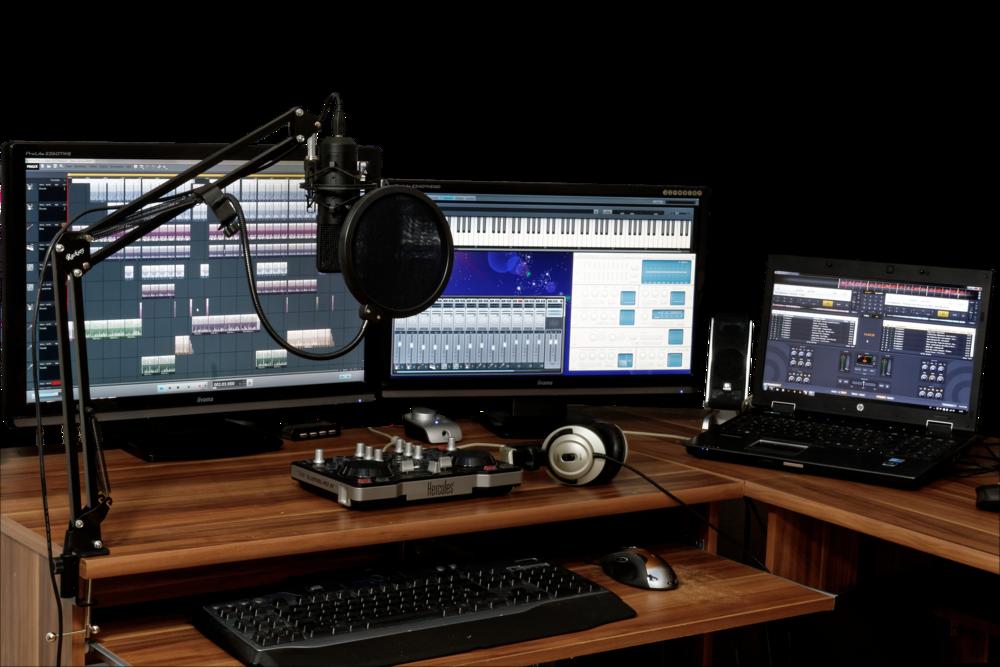 studio-1003635_1920.png