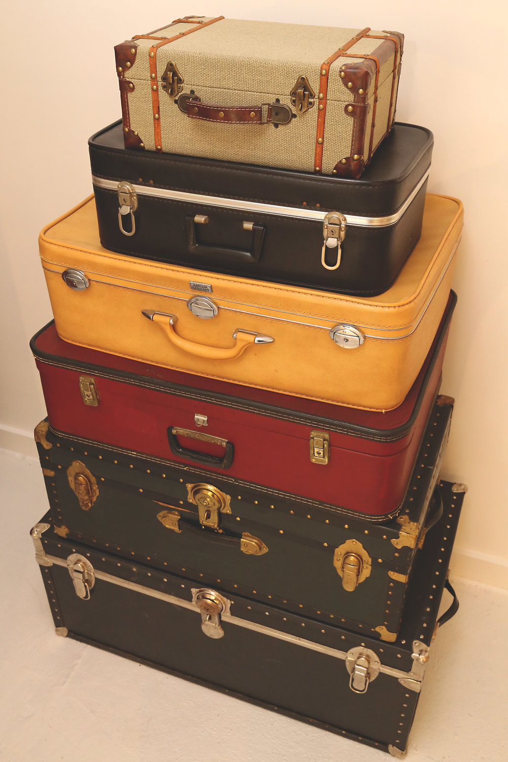 Leather Trunks & Suitcases  | Qty 5+