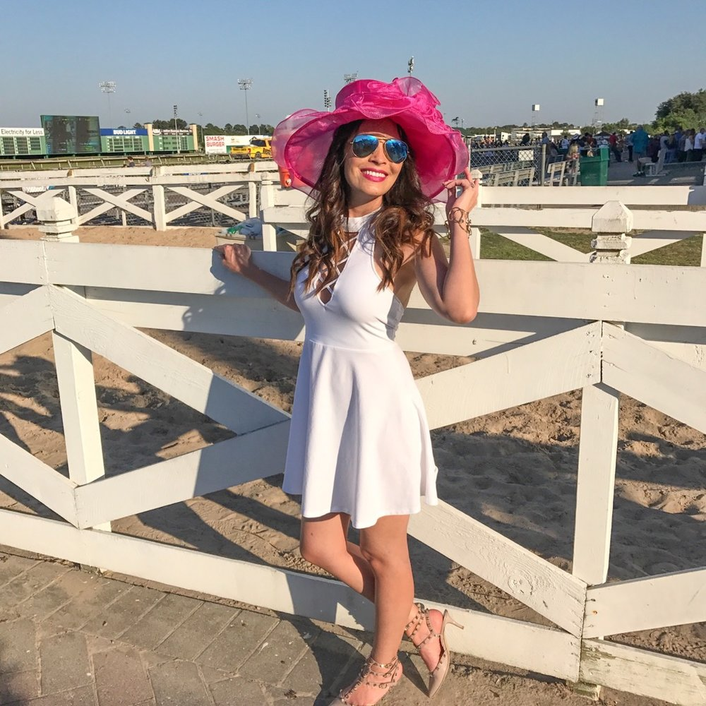 This year, I chose a simple white dress and added a bright pink hat for some color!  My dress   here    My hat   here    My shoes   here