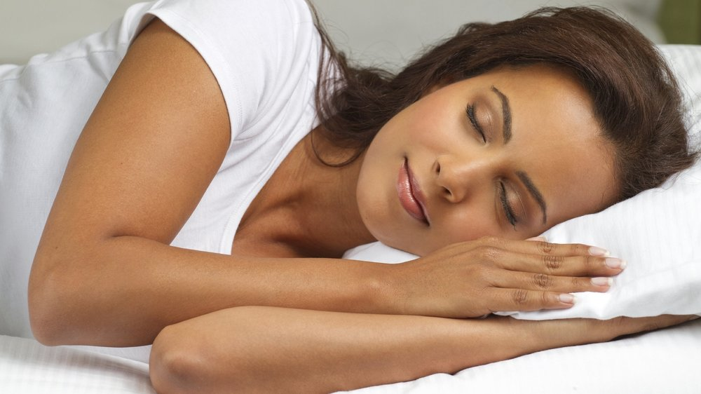 Promotes Good Sleep - For people who suffer from insomnia, constant anxiety during the night, or simply struggle to get a sound, restful night of undisturbed sleep, Cannabis Oil works like a charm. By relaxing the body and mind, and inducing a lower energy level, it will be easier to get your heart rate down and clear your head before a long night of peaceful slumber.