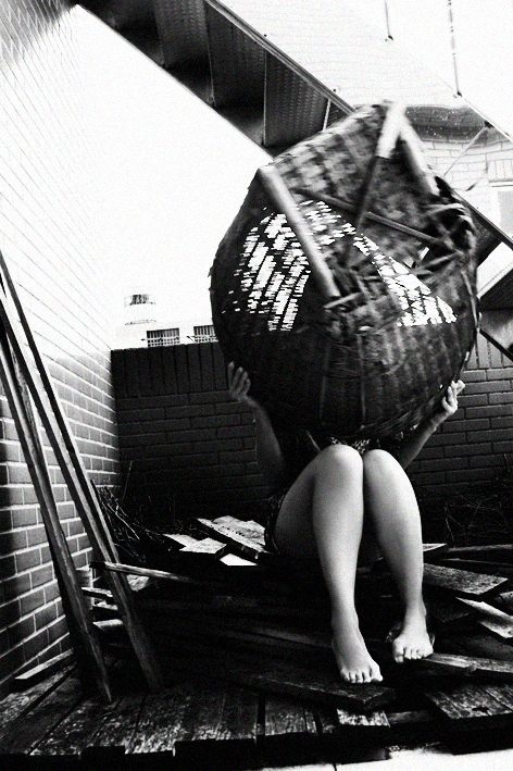 [JC]CREATIVE | 女性攝影師| 影像創作 | 藝術自拍 | 18歲開始用第三者角度內觀自己 , 透過影像與自己對話,探索生命更多的意義.用影像聆聽,用影像敘說.用影像認回自己