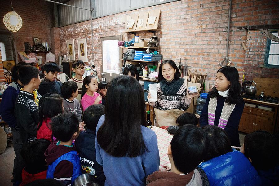 JC CREATIVE 女性攝影師    台北推薦婚攝 女力 人像寫真 手工木作 兒童木工夏令營   陽光木工坊 華德福 自然風格 手感溫度 親子家庭  圖像00039.JPG