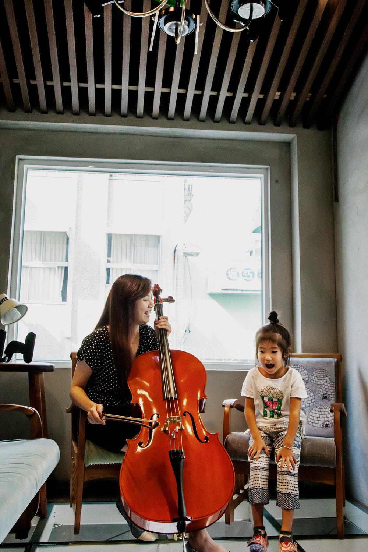 JC CREATIVE 女性攝影師  女力婚攝 photogrpaher   台北推薦婚攝自然風格 溫度故事   桃園婚紗 獨立攝影師JC 阿木司 親子家庭 自然風格 手作木家具 展覽空間 林孟君 帽飾設計 女性 大提琴   圖像00028.JPG
