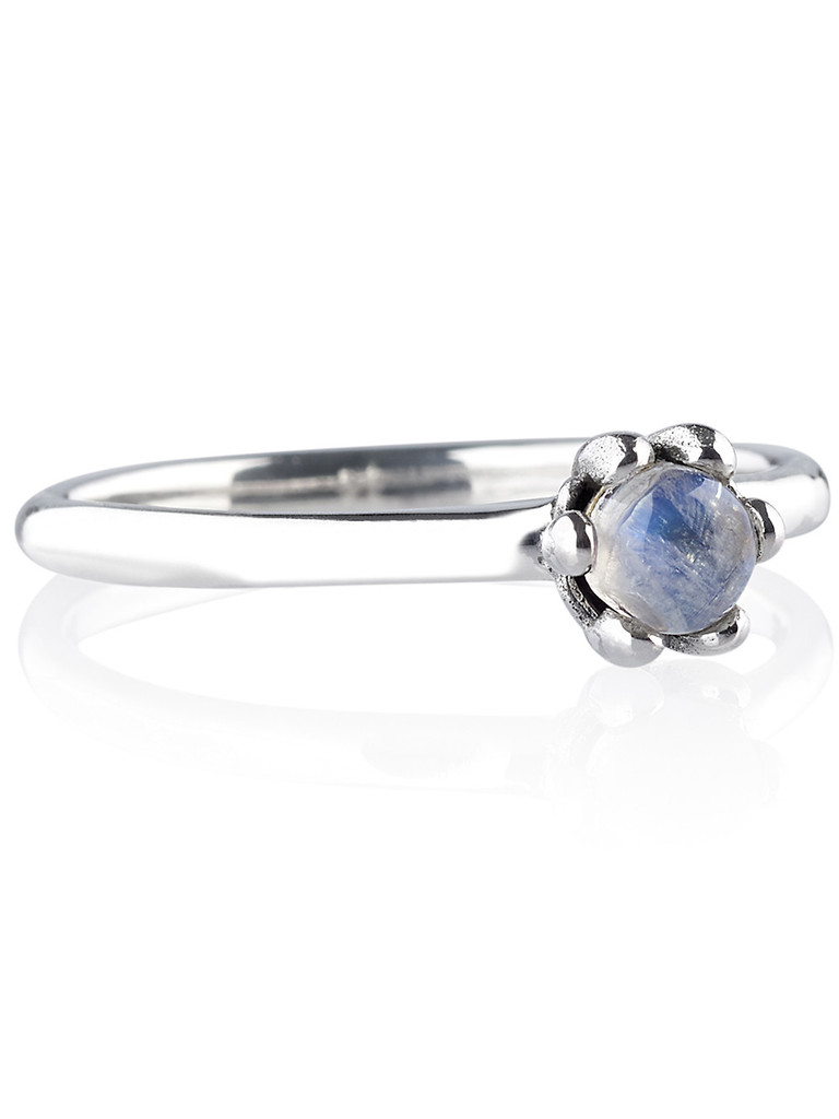 SHOP_DIXI_STERLING_SILVER_RAINBOW_MOONSTONE_RING_01_1024x1024.jpg