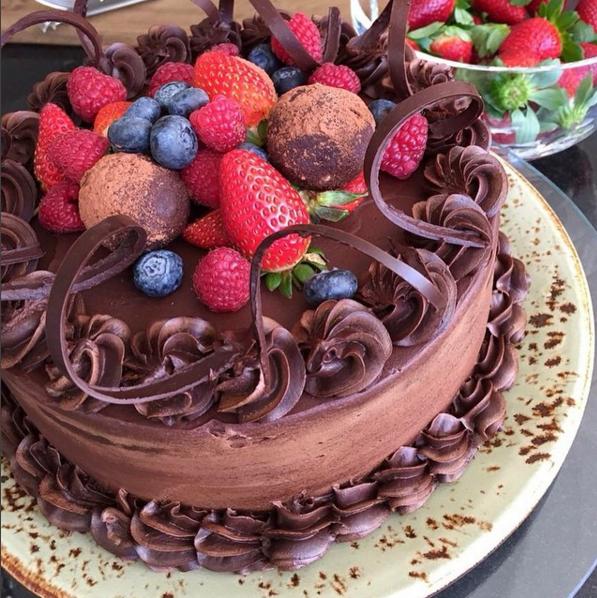 Cake7_Fruitychocmudcake.png
