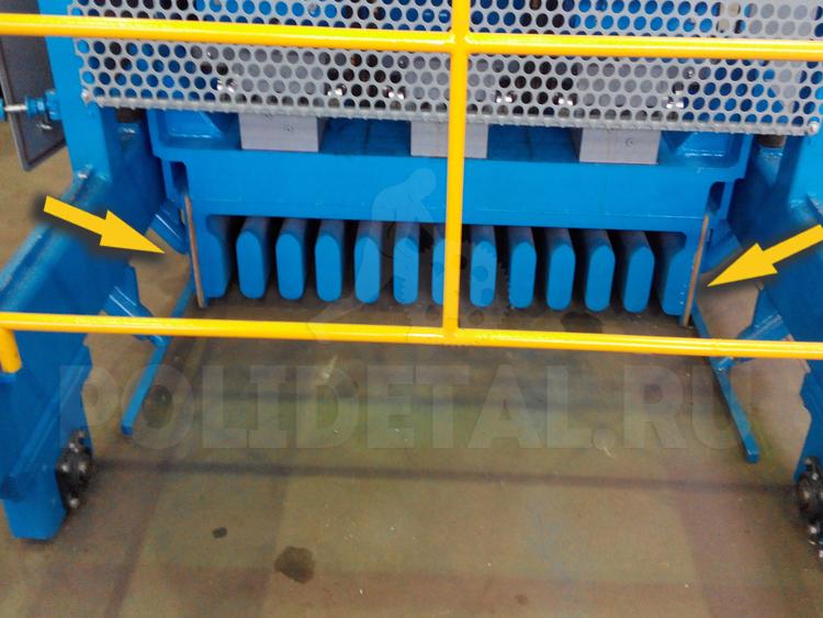 уплотнитель-треугольный-для-бокового-уплотнения-между-вибробункером-и-дорожко-на-машинах-Tehnospan-полидеталь-изготовление-изделий-из-полиуретана.jpg