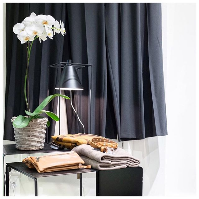 Vi har vært på besøk hos de engasjerte damene hos @clairedksandnes denne måneden. Les hele intervjuet på bloggen✨ . . . . . #ByenSandnes #Maxisandnes #Amfivågen #Sandnessentrum #sandnes #shopping #fashion #newin #trend #interior #blogg #norge #claire #clairedk #clairewoman #clairemaxi
