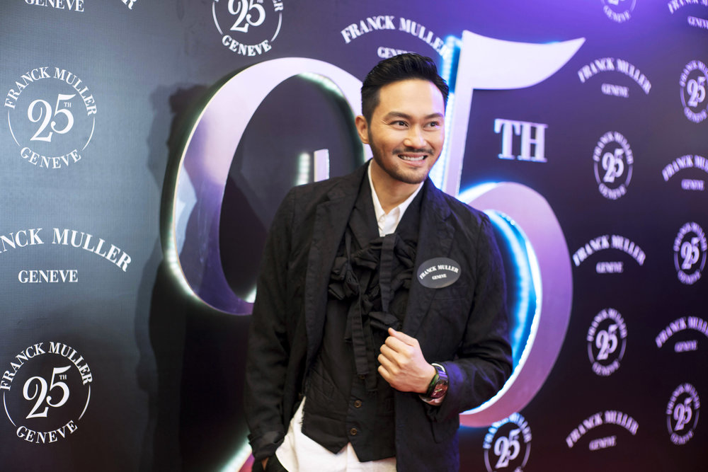 Julian Cheung in Gravity Skeleton.jpg