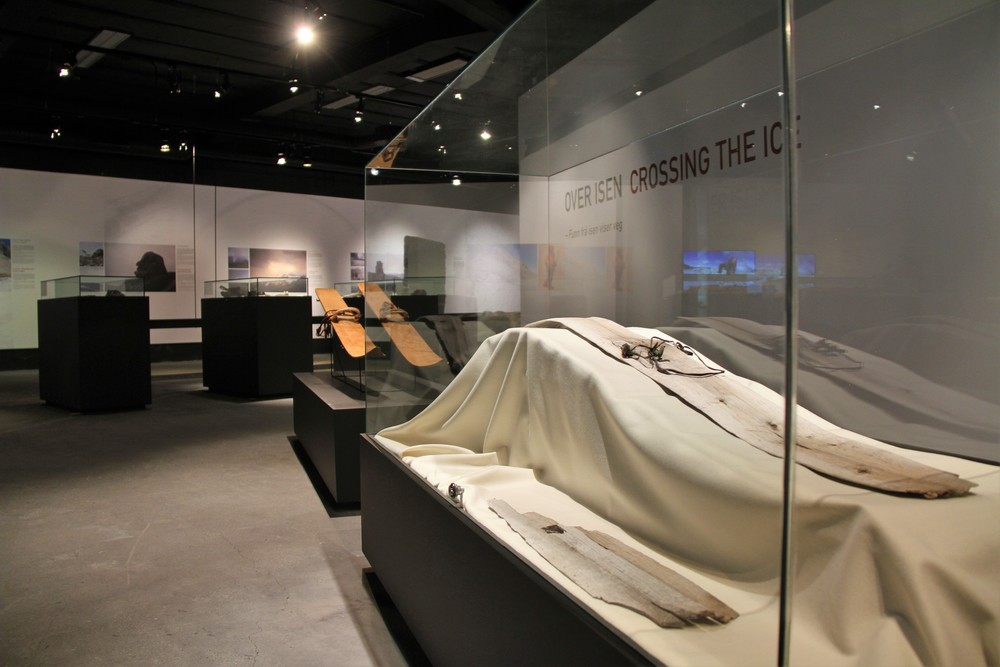 MAIN EXHIBITION The museum's main exhibition Crossing the Ice stands until 2018 when we open a more extensive exhibition. Crossing the Ice's main focus is the prehistoric use of the mountains shown through the glacier archaeology.