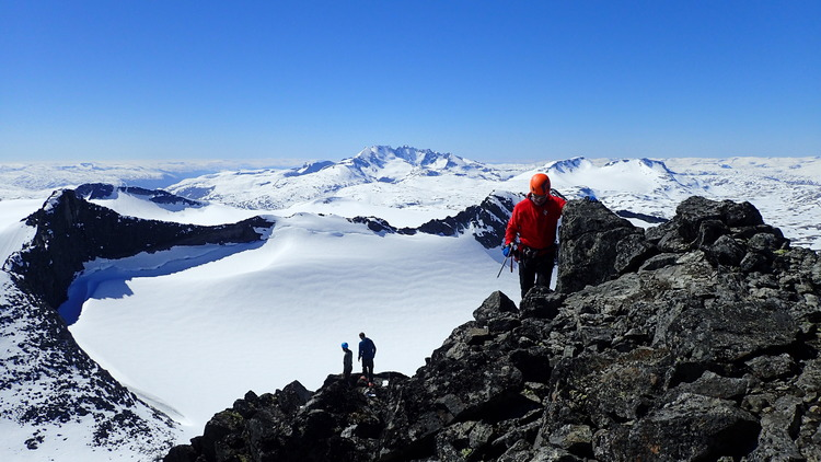 MOUNTAIN GUIDING Go to the mountains with a mountain guide! The Norwegian Mountain Center cooperates with the local guide company Fyrst & Fremst. They will bring you into the nature, up to the mountains. Book at the mountain center or visit Fyrst & Fremst's web site.