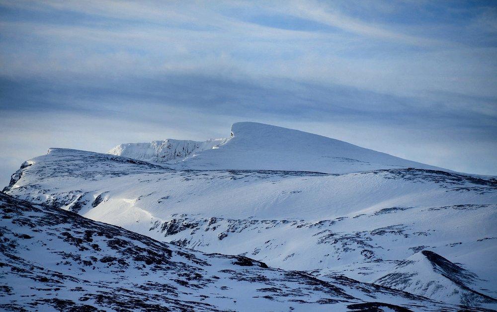 Ein tur ut til Knippen er ein liten fjelltur, trimtur eller familietur til eit fint utkikkspunkt.