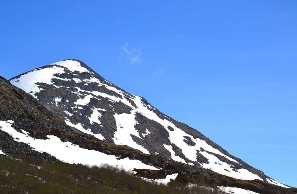 Sauhøe sett frå Blåurde nordafor Geitsetra i Leirdalen..JPG