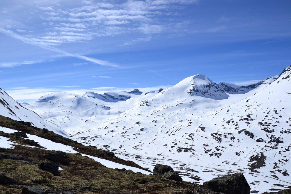 Veslbrean og Storbrean sett frå ryggen på vel 1400 moh..JPG
