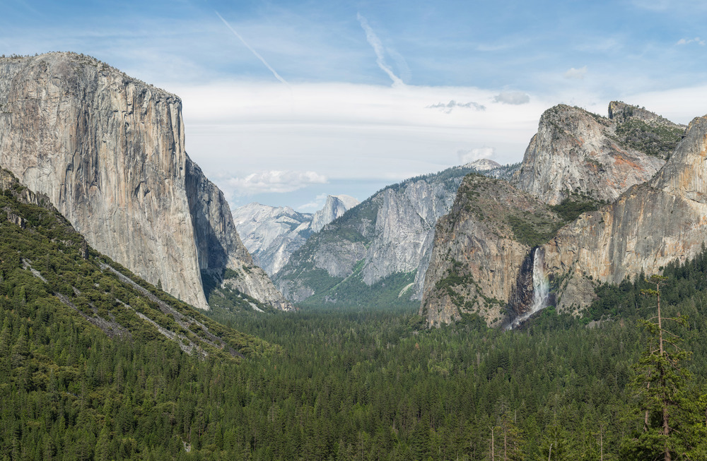 Tunnel_View,_Yosemite_Valley,_Yosemite_NP_-_Diliff (1).jpg