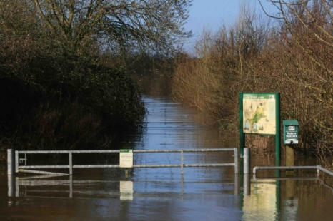 Flooded Coombe Hill car park 2007