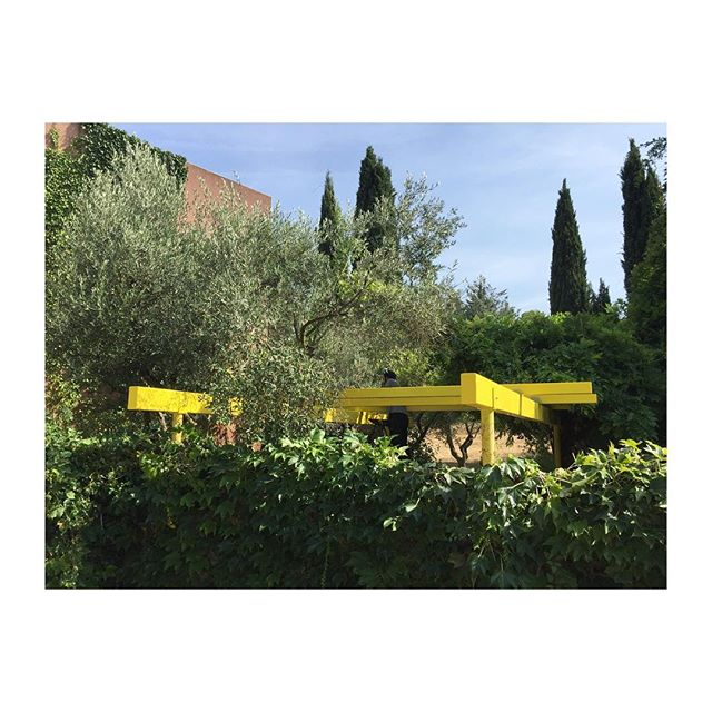 PERGOLA JAUNE ~ #yellow #pergola #custommade #architecture #steel #structure